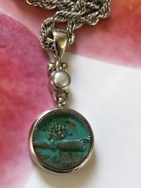 """Petite """"Colour Wash"""" Antique Button/Pearl Pendant      #BHY7"""